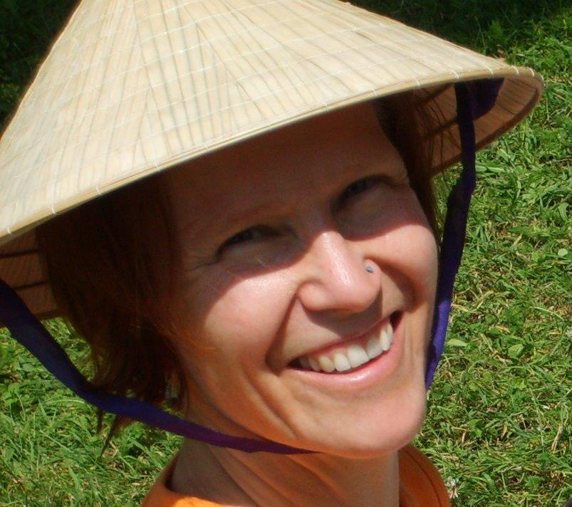 Savitri Sabine (51 Jahre, Yogalehrerin)